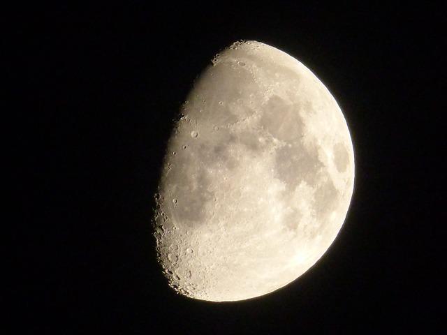 Приворот на мужчину на убывающую луну