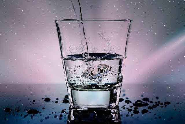 Приворот парня на стакан воды