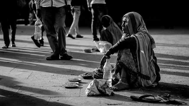 Как снять порчу на бедность